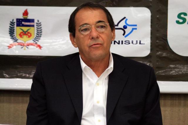 """Bebeto de Freitas: """"O esporte no Brasil é uma casca de ovo ..."""