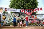 Vigília em homenagem a Bernardo reúne cerca de 100 pessoas Felix Zucco/Agência RBS