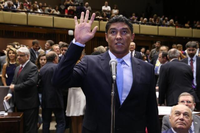 Salários de CCs que ficaram com Jardel chegam a quadruplicar Cantinho Ju Tavares