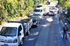 Engavetamento bloqueia o trânsito na ERS-446, em São Vendelino Claudir Pontin / Estação FM / divulgação/