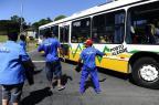 Trabalhadores bloqueiam Avenida Bento Gonçalves, em Porto Alegre Ronaldo Bernardi/Agencia RBS