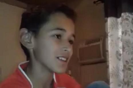 Menino de 10 anos se emociona ao descobrir que terá irmão e se torna viral na web (Greice Miranda Delgado/Facebook/Reprodução)