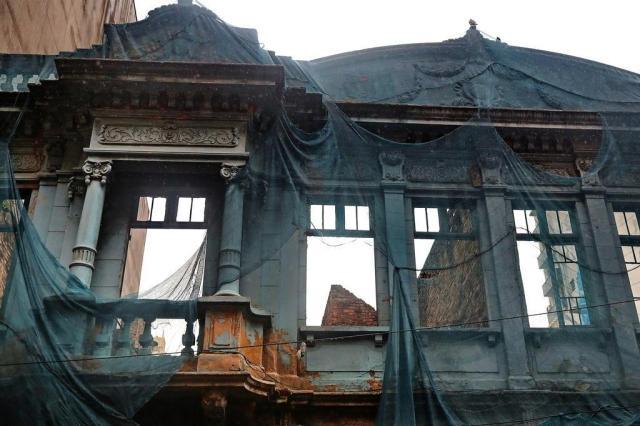 Protegidos por lei, prédios históricos sofrem com o descaso no centro de Porto Alegre Ricardo Duarte/Agencia RBS