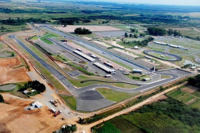 Pilotos gaúchos confirmam presença no Mundial de Kart Indoor Velopark/Divulgação