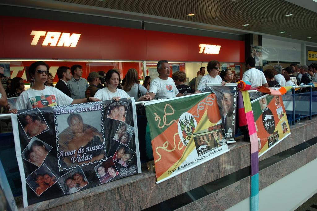 Dez anos após tragédia da TAM, parentes de vítimas buscam punição Genaro Joner/Agencia RBS