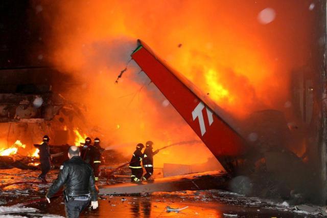 Dez anos depois da tragédia da TAM, o que a aviação brasileira aprendeu EUGENIO GOULART/AEP-AE