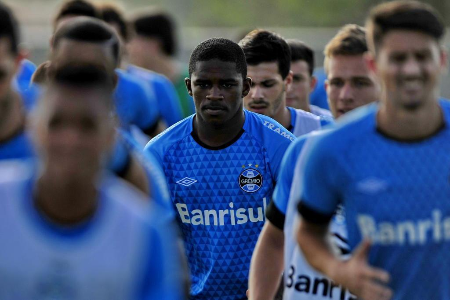 Yuri Mamute é desconvocado da Seleção sub-20 e já está a caminho de Curitiba Lauro Alves/Agencia RBS