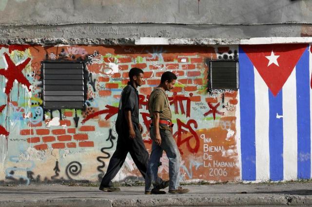 Estados Unidos e Cuba reabrem embaixadas nesta segunda-feira Ver Descrição/Ver Descrição