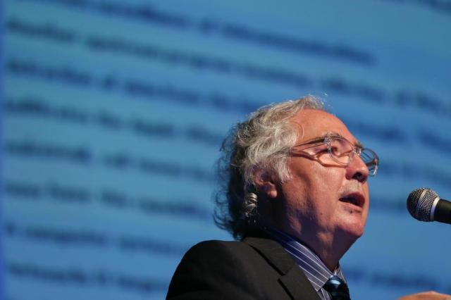 """Manuel Castells: """"um país educado com internet progride; um país sem educação usa a internet para fazer """"estupidez"""" Cristiano Estrela/Agencia RBS"""