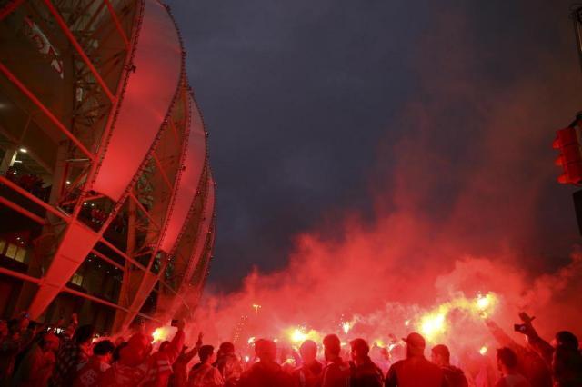 Ruas de Fogo e show de luzes: a festa do Inter na classificação à semifinal da Libertadores Félix Zucco/Agencia RBS