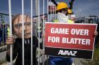 Michel Platini pede renúncia de Joseph Blatter Fabrice Coffrini/AFP
