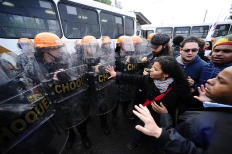 Manhã de protestos interrompe transporte na Região Metropolitana (Ronaldo Bernardi/Agencia RBS)
