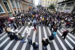 Municipários bloqueiam Rua Siqueira Campos e vice-prefeito cancela reunião