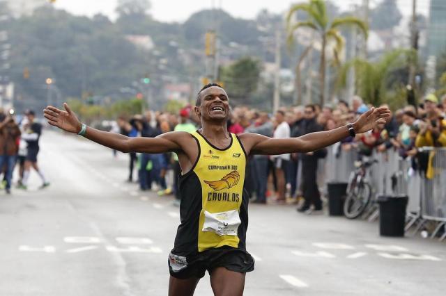 Paranaense vence a 32ª Maratona Internacional de Porto Alegre Mateus Bruxel/Agencia RBS