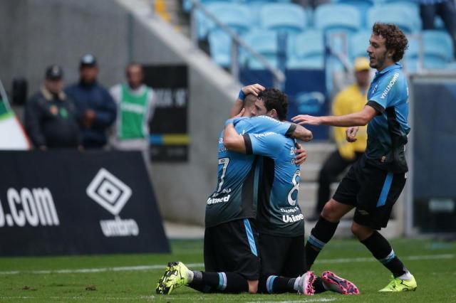 Intenso, Grêmio vence o Atlético-PR por 2 a 1 na Arena Diego Vara/Agencia RBS