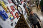 Sem clube, volante virou sócio de loja de autopeças Anderson Fetter/Agencia RBS