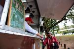 Food truck distribui mais de 140 refeições para moradores de rua