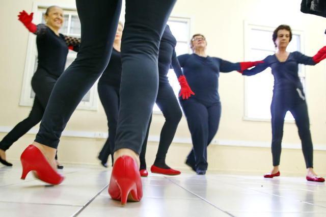 Como a dança pode ajudar mulheres no tratamento de câncer Júlio Cordeiro/Agencia RBS