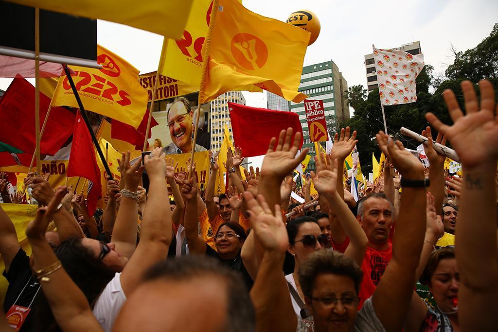 Professores da rede estadual decidem manter greve até dia 11 de setembro Carlos Macedo/Agência RBS