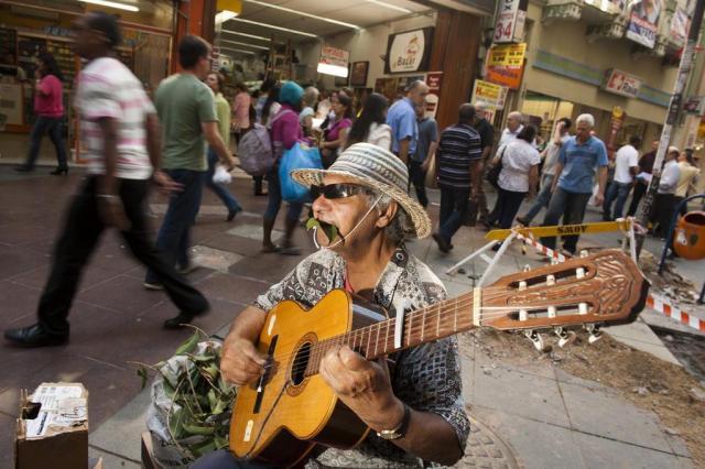"""""""Desconsiderem o texto"""", diz vice-prefeito da Capital sobre regulamentação de artistas de rua  Andréa Graiz/Agencia RBS"""