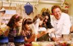 """Claude Troisgros ensina crianças no novo """"Que Maravilha! Chefinhos"""" Alexandre Campbell/GNT, divulgação"""