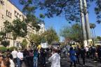 Policiais civis bloqueiam trânsito na Avenida Ipiranga Mauricio Tonetto/Agência RBS