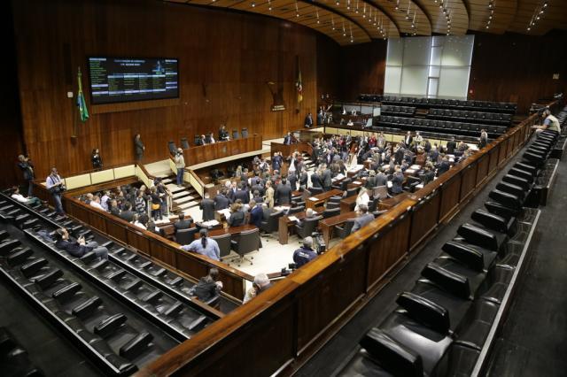 Deputados aprovam oito dos 10 projetos do Executivo; veja lista  Lauro Alves/Agência RBS