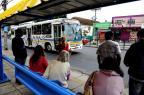 Passageiros buscam alternativas após ônibus deixarem de circular em Porto Alegre Fernando Gomes/Agência RBS
