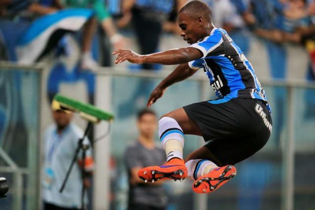 Santos pede Lincoln, mas tem plano B para ceder Galhardo ao Grêmio Fernando Gomes/Agencia RBS