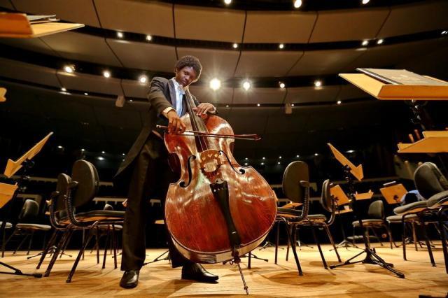 Jovem músico Weslei recebe convite para estudar em conservatório de Genebra Bruno Alencastro/Agencia RBS