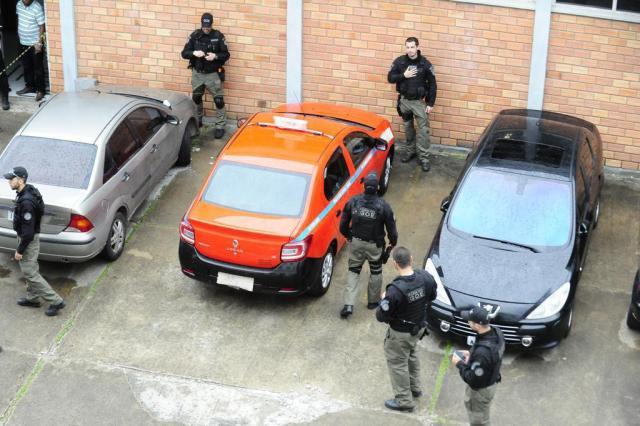 EPTC suspende permissão de 13 táxis ligados a suspeitos de integrar quadrilha de Xandi Ronaldo Bernardi/Agencia RBS