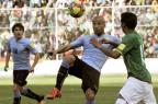 Grêmio e Inter têm interesse no volante uruguaio Carlos Sánchez AIZAR RALDES/AFP