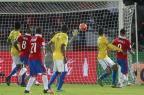 Seleção Brasileira joga mal e leva 2 a 0 do Chile na estreia das Eliminatórias / CLAUDIO REYES/AFP