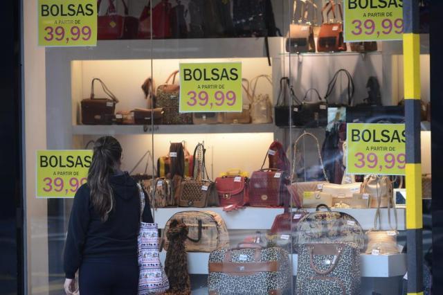 Poder de compra dos brasileiros cai 9% em dois anos Marcos Porto/Agencia RBS
