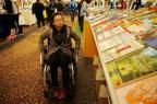Cadeirante visita a Feira do Livro e relata as dificuldades Adriana Franciosi/Agencia RBS