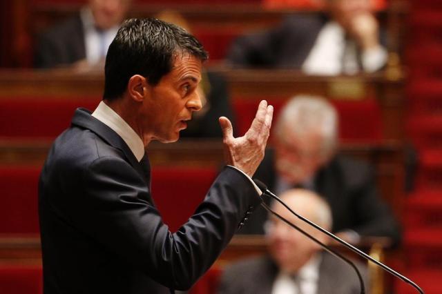 """Premier francês adverte para risco de atentados com """"armas químicas ou bacteriológicas"""" FRANCOIS GUILLOT/AFP"""