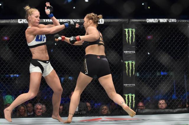 Dana se diz confiante em retorno de Ronda Rousey ainda em 2016 Paul Crock/AFP
