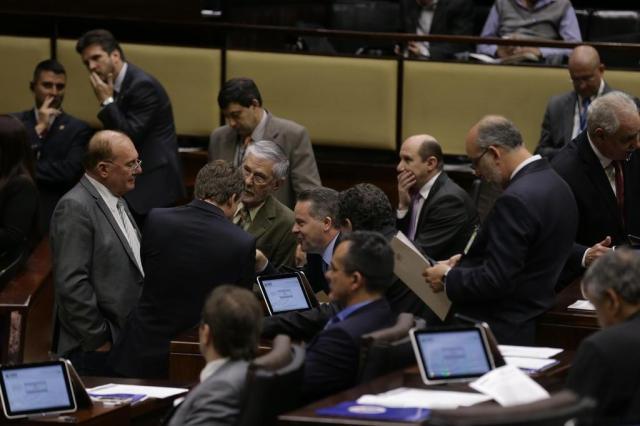 Projeto que busca recursos da GM para pagar servidores é aprovado na Assembleia Lauro Alves/Agencia RBS