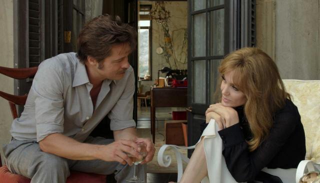"""Angelina Jolie e Brad Pitt viveram casal em crise em """"À beira-mar"""" Universal/Divulgação"""