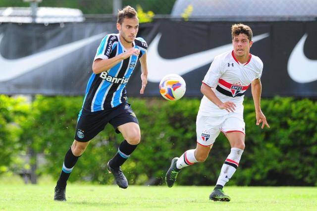 Diogo Olivier: Bolzan está encantado com o futebol de Tontini Diego Vara/Agencia RBS