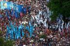 Protesto contra Macri reúne milhares de pessoas em Buenos Aires EITAN ABRAMOVICH/AFP