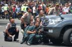 Ataques em Jacarta terminam com dois civis e cinco criminosos mortos BAY ISMOYO/AFP