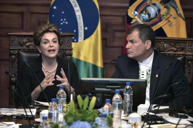 """Dilma promete guerra """"de casa em casa"""" contra mosquitoAedes aegypti RODRIGO BUENDIA/AFP"""