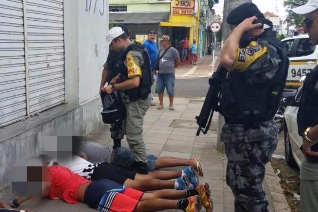 Criminosos fazem arrastão dentro do Trensurb em Porto Alegre Divulgação/Brigada Militar/Divulgação