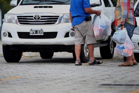 Com presença recorde e maior poder de compra, argentinos impulsionam a economia de SC no verão (Charles Guerra/Agencia RBS)