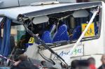 Pelo menos seis crianças morreram em acidente de ônibus na França