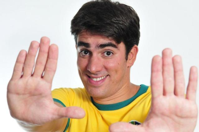 """Em """"Tá No Ar"""", Marcelo Adnet Recicla O Humor Brasileiro E"""