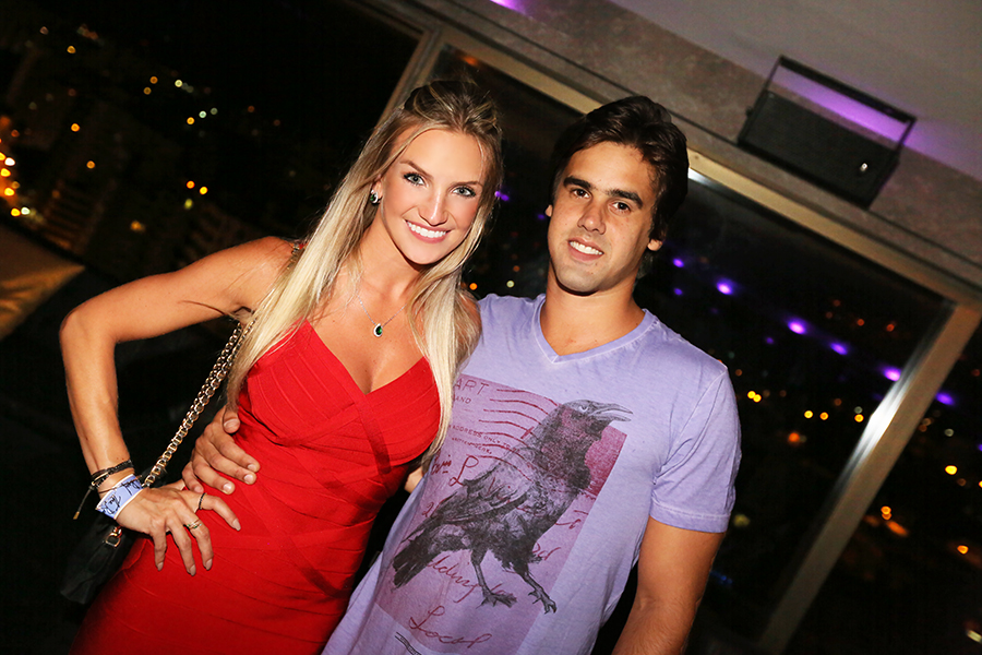 S 243 Love S 243 Love O Amor Est 225 No Ar Em Balada No The Roof