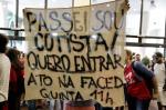 Manifestação na UFRGS pela homologação dos aprovados cotistas