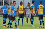 Roger testa time do Grêmio para encarar o Cruzeiro-RG